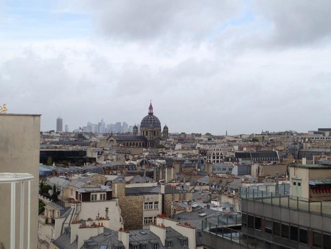 Blick von der Terrasse bei Printemps in Paris