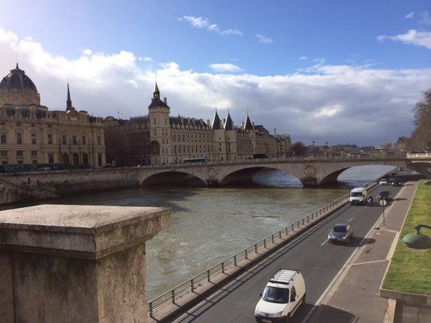 Der perfekte Tag in Paris - Blick auf die Seine und die Île de la Cité