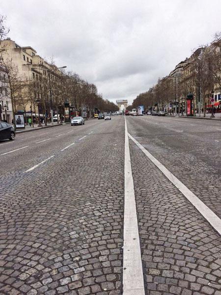 Der perfekte Tag in Paris - Die Champs-Élysées mit Arc de Triomphe