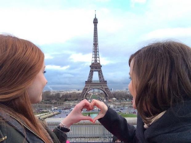 Der perfekte Tag in Paris - Erinnerungsbild am Eiffelturm