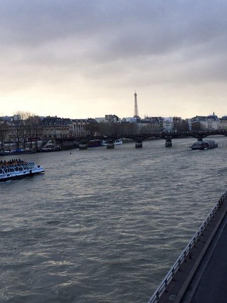 Der perfekte Tag in Paris - am Ufer der Seine entlang spazieren