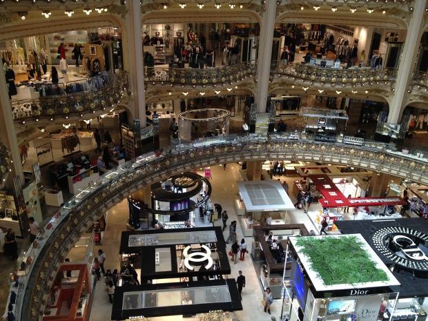Galeries Lafayette in Paris von innen