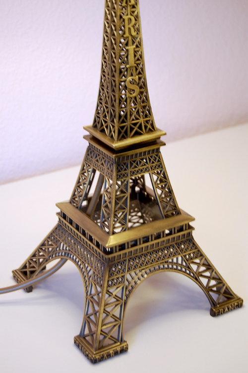 Fuß der Eiffelturmlampe
