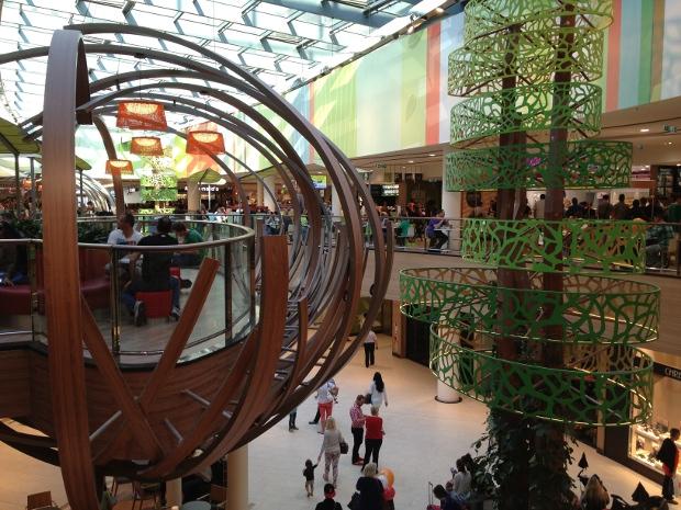Interessante Deko im neuen Skyline Plaza Frankfurt
