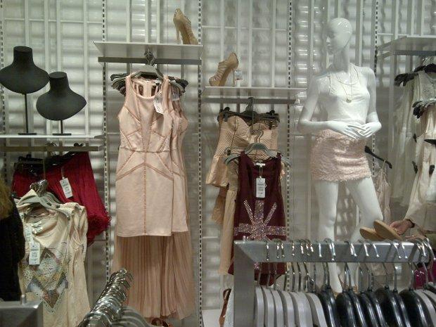 Kleidung im neuen Bershka in Frankfurt