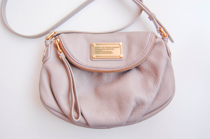 Marc by Marc Jacobs Mini Natasha in Cement