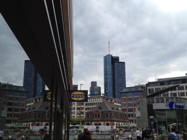 Neueröffnung Fossil Flagshipstore in Frankfurt