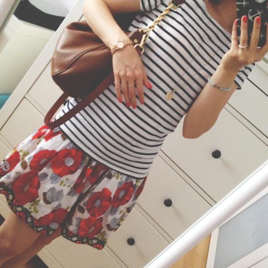 Outfit - Streifen und Blumen