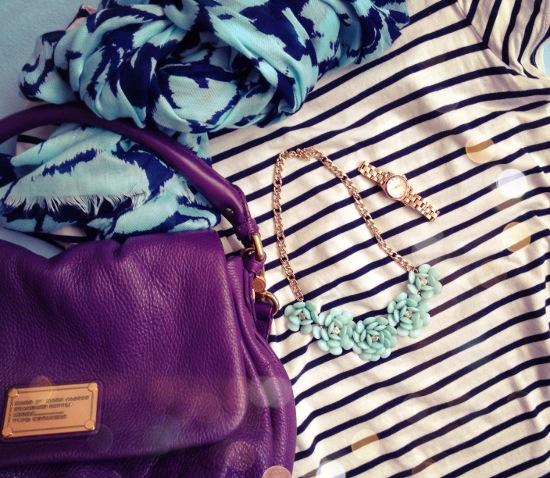 Outfit - Streifen und bunte Accessoires