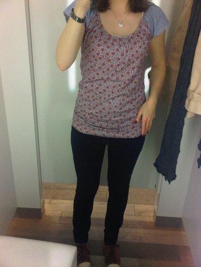 Outfit: Blümchenshirt