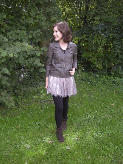Outfit mit Spitze