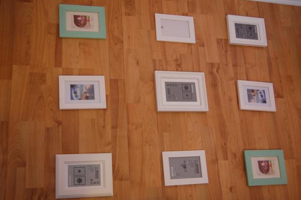 Planung der Gallery Wall auf dem Boden