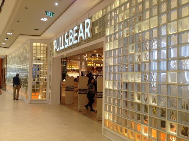 Pull&Bear im Skyline Plaza Frankfurt