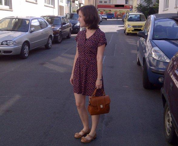 Outfit: Kleid mit Punkten