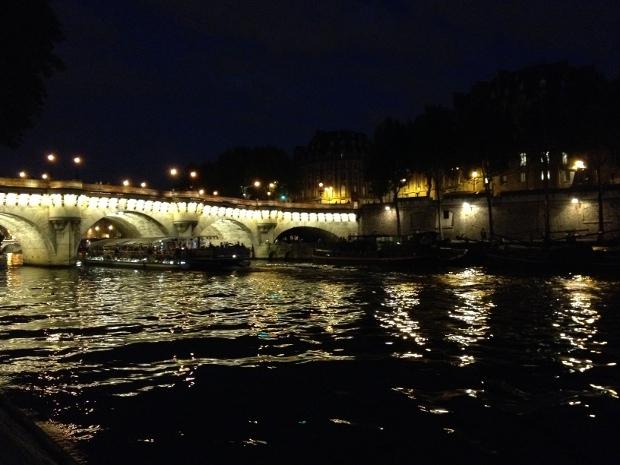 Seine und Pont Neuf in Paris bei Nacht