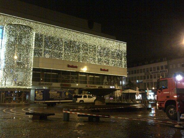 Weihnachtsbeleuchtung und Weihnachtsdeko in der Stadt