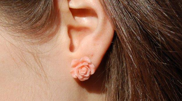 rosa Blumenohrring